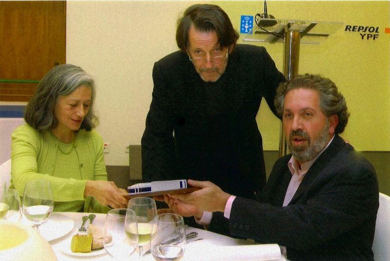 2006. Con Margarita Viso e co escritor e editor Francisco Pillado