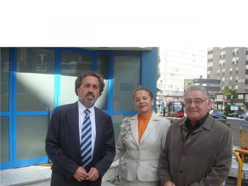2008. Coa pianista e Presidenta de Amigos da Ópera da Coruña Natalia Lamas e o dramaturgo Manuel Lourenzo