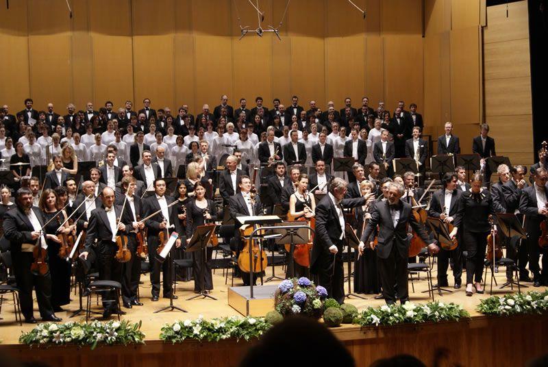 2012. Estrea de Alborada de noite e de luz. Co Orfeón Donostiarra, Orquestra e coro da Sinfónica de Galicia e Víctor Pablo