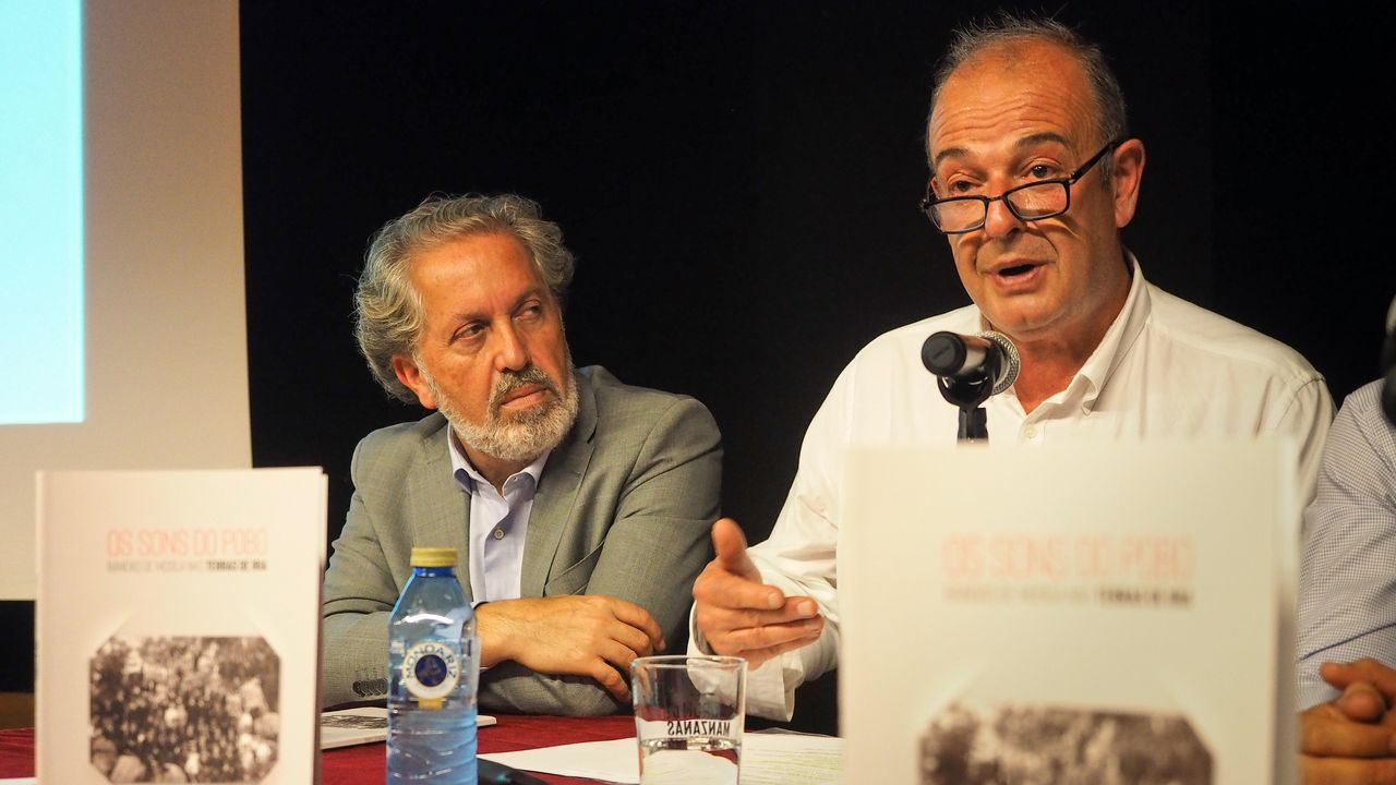 """J. Durán presenta a publicación """"Os sons do pobo"""""""