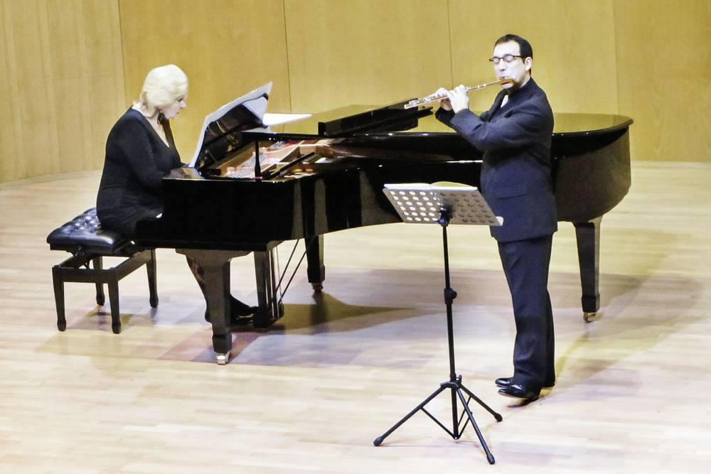 Música de J. Durán para frauta e piano en Bruselas